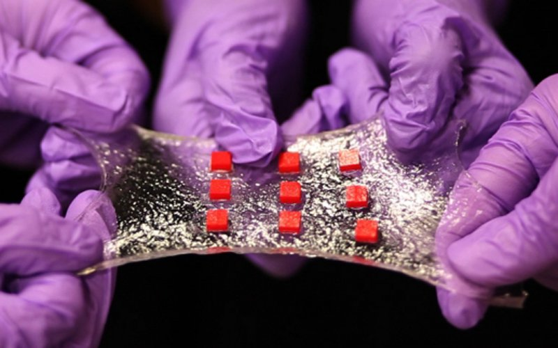Wearable hydrogel to deliver drugs onto skin or inside the body